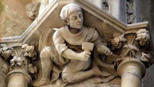 cathedrale+bayonne+tailleur+de+pierre.jpg