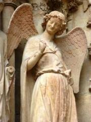 Ange au sourire de Reims.jpg
